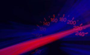 Innerorts gilt eine Höchstgeschwindigkeit von 50 km/h