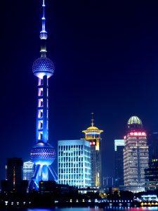 In der Metropole Shanghai mit dem Pearl TV Tower ist es nicht so einfach ein Kennzeichen in China zu bekommen.
