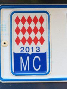 Autokennzeichen in Monaco tragen das Wappen Monacos.