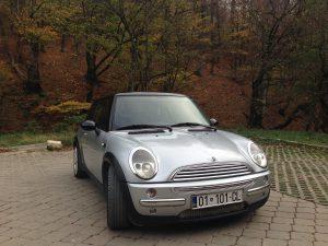 Auf den Autokennzeichen im Kosovo kann man die Herkunft anhand der ersten beiden Ziffern ablesen.