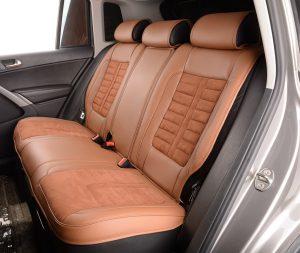 Kindersitze können leicht montiert werden auf dem Rücksitz.