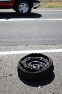 Was tun wenn der Reifen platzt? Auf Englisch Blowout.