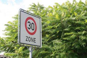 In der 30 er Zone können empfindliche Bußgelder drohen.