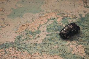 Verkehrsregeln die man beim Autofahren in Schweden beachten sollte.