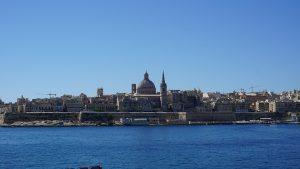 Sliema ist eine Stadt an der Nordküste der Insel Malta und bietet viele Einkaufsmöglichkeiten, Restaurants, Hotels und ist eine der bedeutenden Gegenden wirtschaftlich und als Wohngegen. Sliema bedeutet soviel wie Frieden, die Stadt war einst ein ruhiger Fischerort auf einer Halbinsel gegenüber von Valletta.