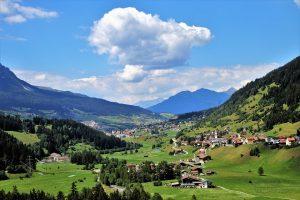 Die Schweiz hat nicht nur mit den Alpen landschaftlich viel zu bieten.