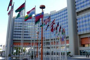 Diplomatenkennzeichen räumen besondere Rechte ein.