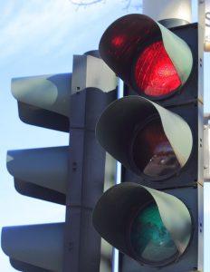 Was man bei roten Ampeln beachten sollte.
